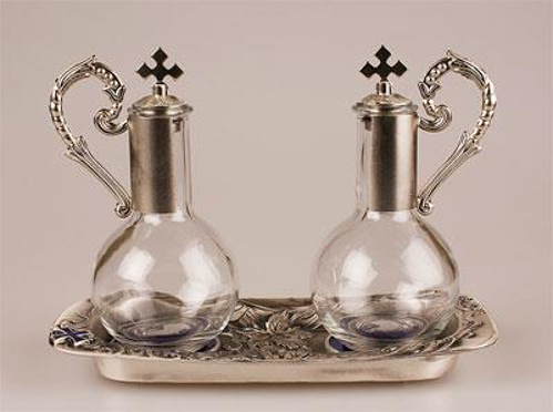 Picture of Metal & Glass Cruet Set with Tray (Silver finish)